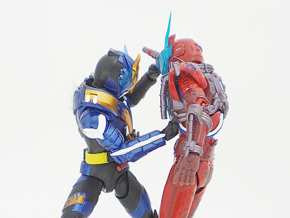 SHF 仮面ライダークローズ49