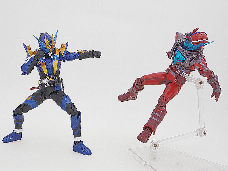 SHF 仮面ライダークローズ51