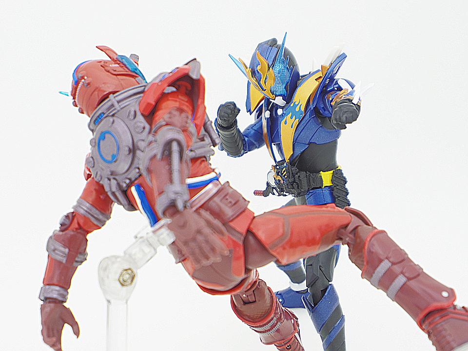 SHF 仮面ライダークローズ52