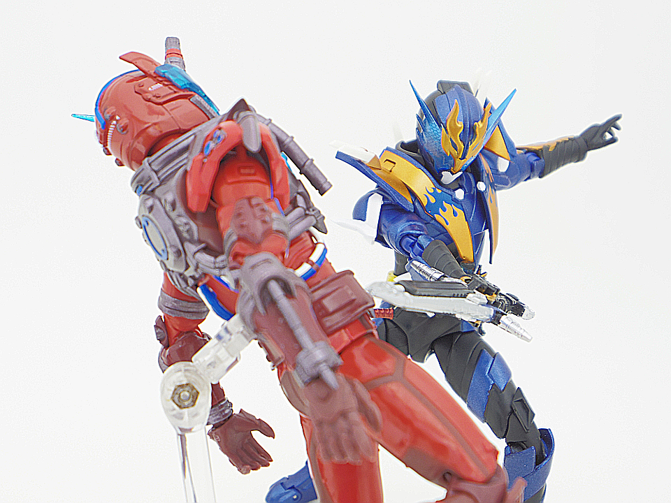 SHF 仮面ライダークローズ54