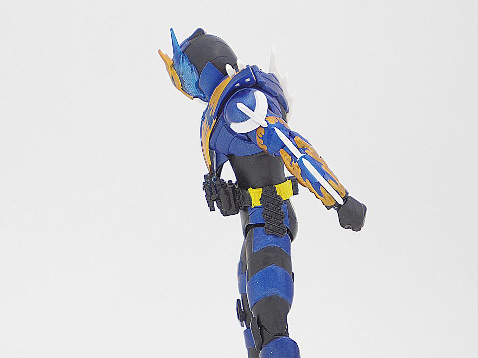 SHF 仮面ライダークローズ41