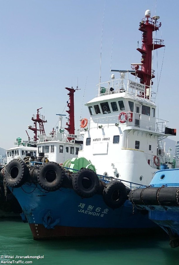 クレーン船座礁-4
