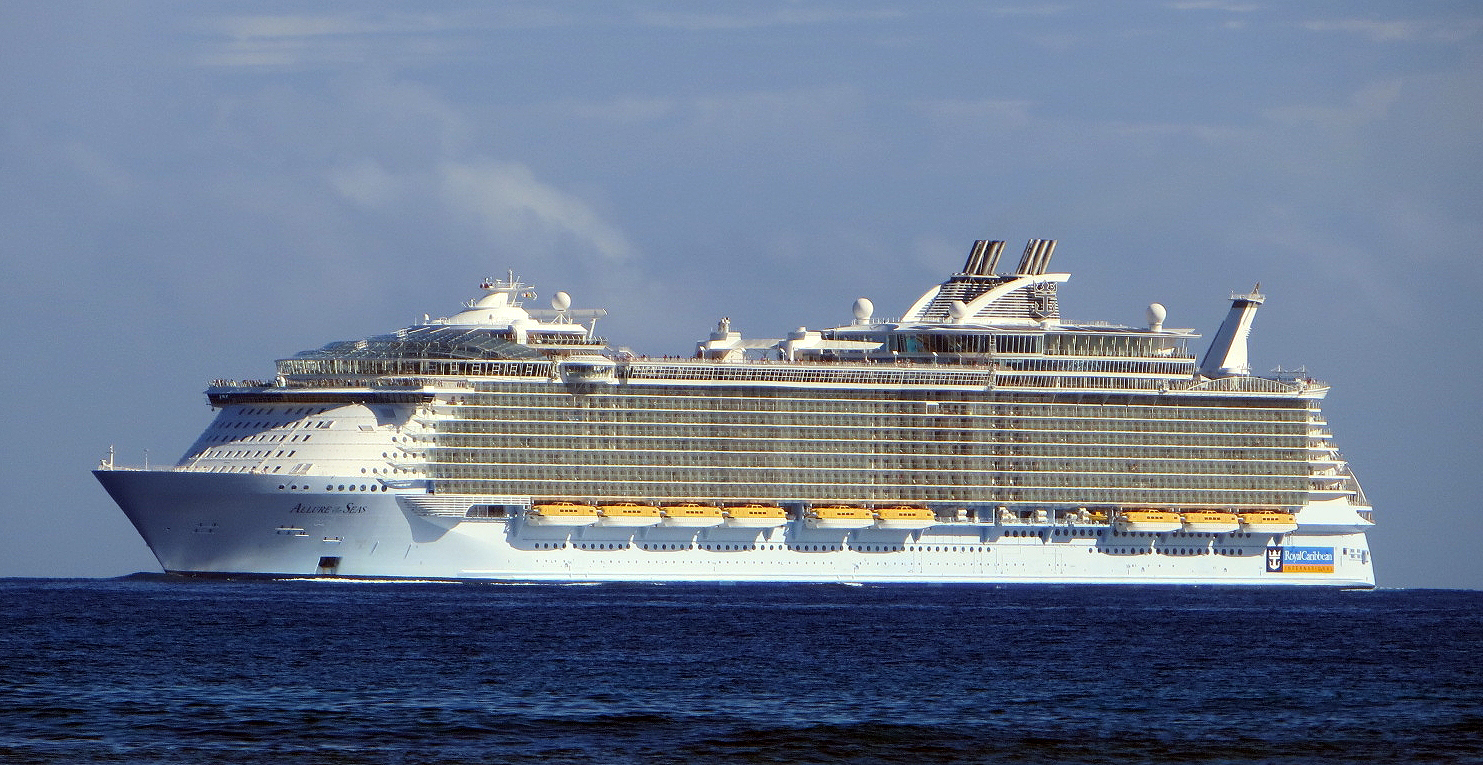 Allure_of_the_Seas_001.jpg