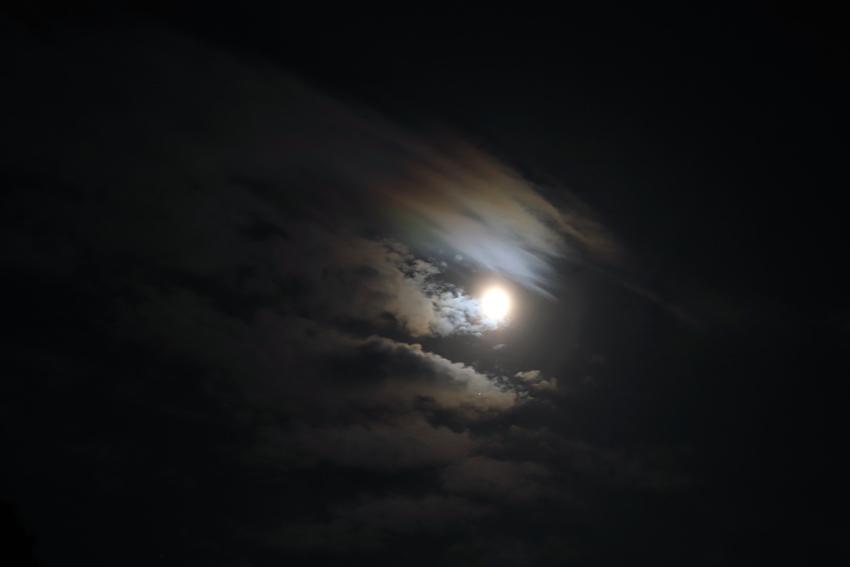 20180430月光による彩雲