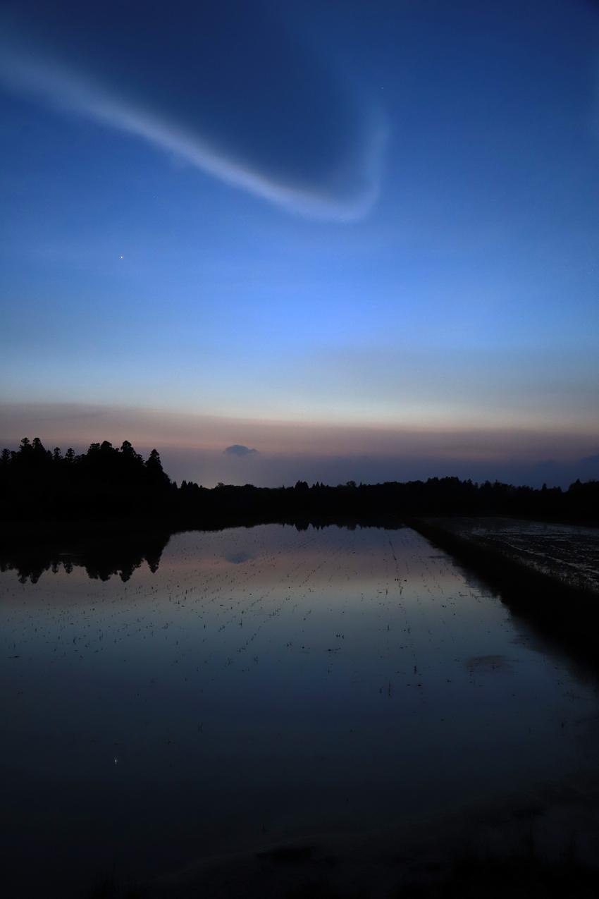 20180511レンズ雲と金星2