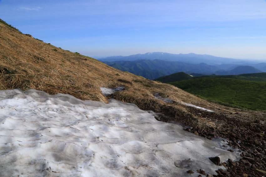 20180623残雪と焼石連峰
