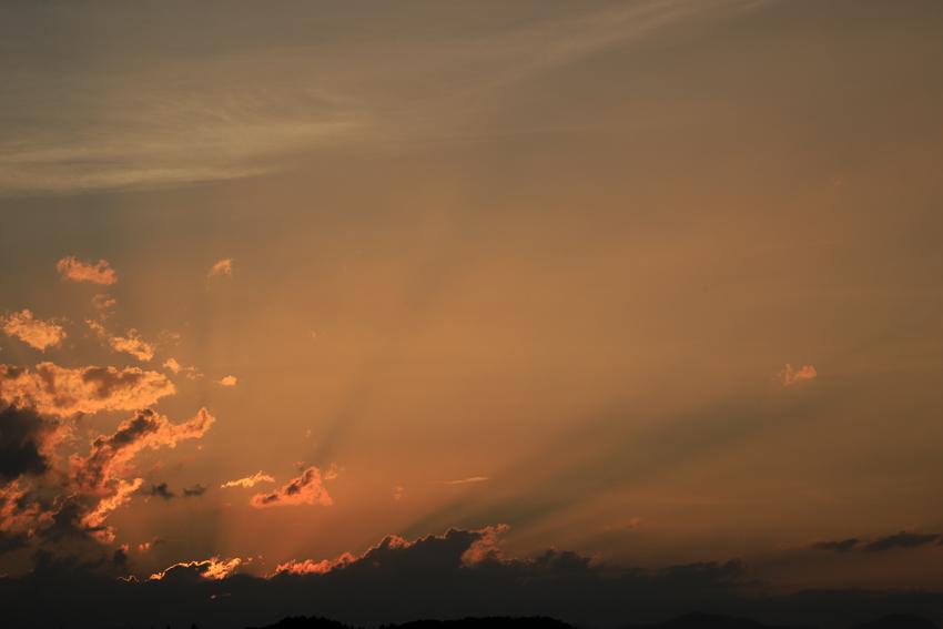 20180702反薄明光線と雲の影