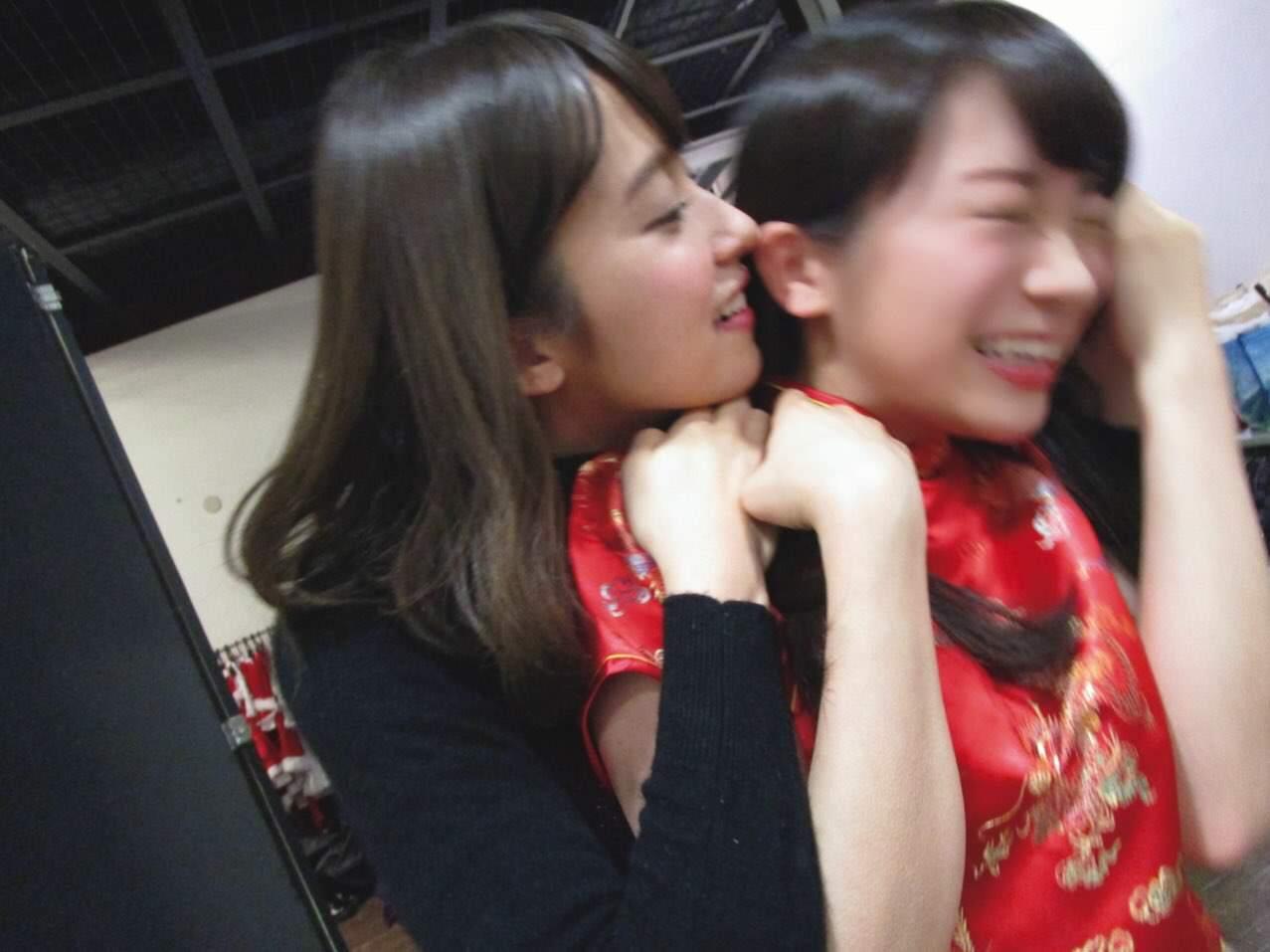 乃木撮「秋元真夏さんにキスを迫る衛藤美彩さんをご覧ください」