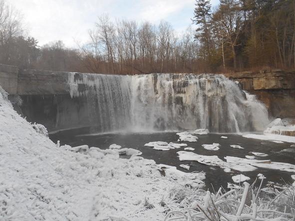 Ludlowville Falls (winter)のコピー