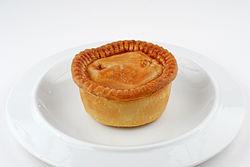 250px-Pork_pie_on_plate.jpg