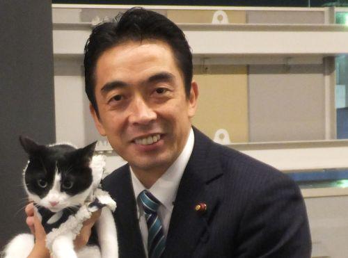 横浜市会議員 こがゆ康弘先生 500