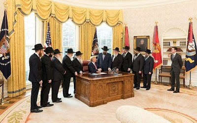 Chabad-Trump-Oval-Office-2018-resize-e1522307813443-640x400.jpg
