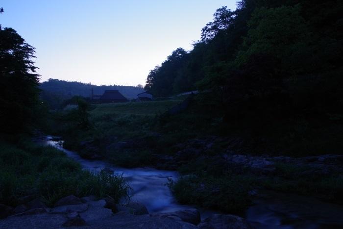 静寂を切り裂く水流