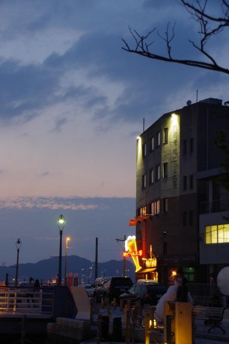 ロマンチックな港町