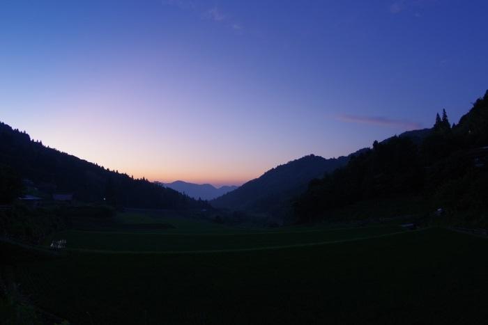 田舎の夜更け