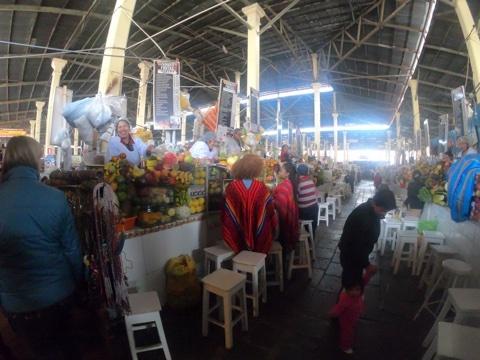 クスコ市場3