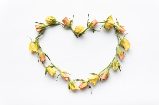 heart-from-roses_23-2147804447.jpg