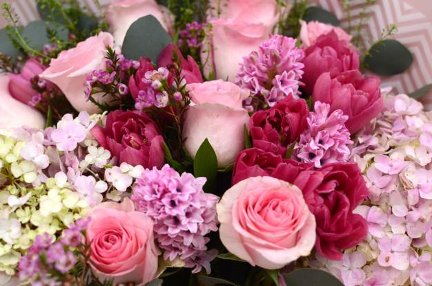 pink-rose-flower-arrangement_25595-222.jpg
