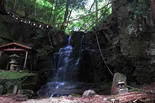 180430青葉の滝