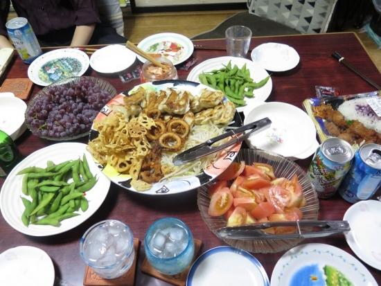 お惣菜いっぱい晩ご飯