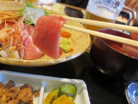 特上海鮮丼 中トロ