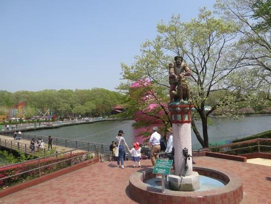 りんどう湖 巨大ピンクアヒルとサムソン像