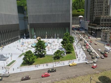 東武ワールドスクウェア グランドアーミー広場