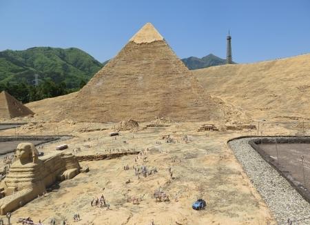 東武ワールドスクウェア《エジプト》メンカウラー王、カフラー王、クフ王ピラミッド