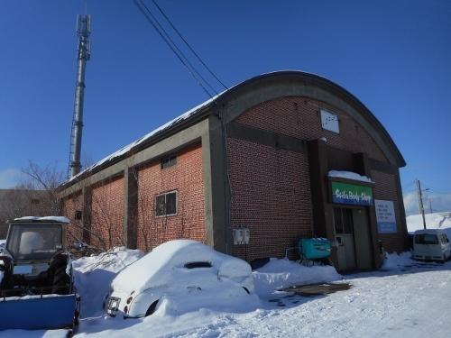 JR篠路駅近くにある煉瓦の倉庫 鈑金工場