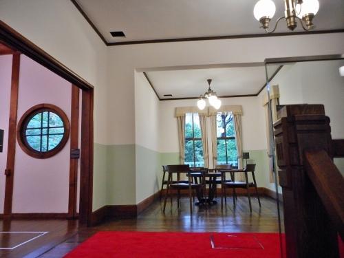 旧三菱鉱業寮 2階 階段室