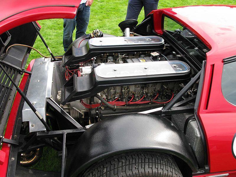 800px-Ferrari_512BB_engine.jpg