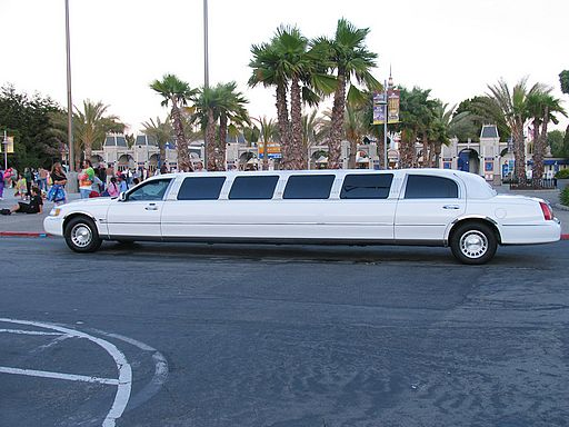 Lincoln-limo-white.jpg