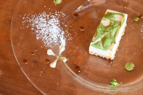 抹茶マーブルのレアチーズ