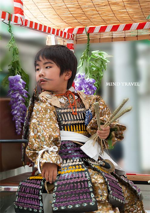 新日吉神社 神幸祭 武者姿の稚児