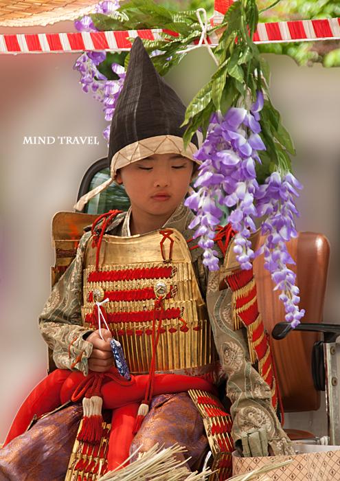 新日吉神社 神幸祭 武者姿の稚児2