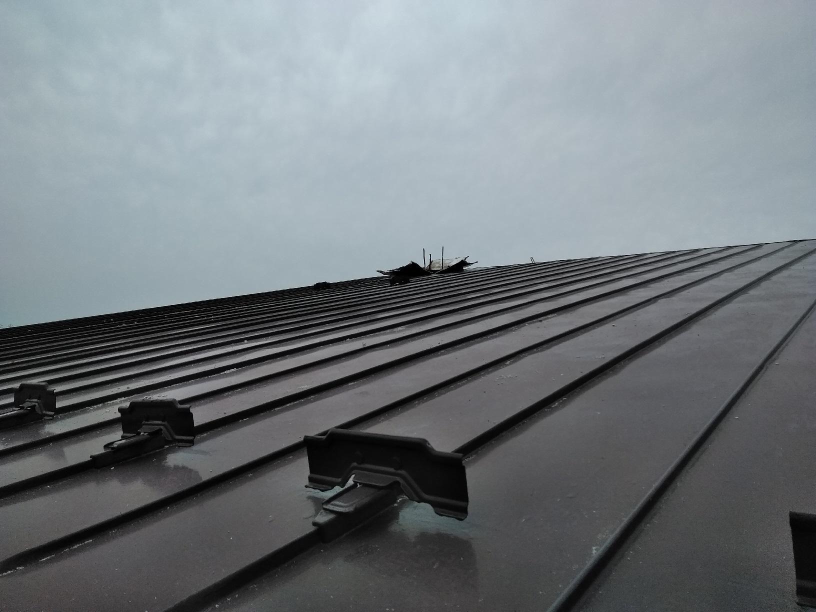 春採現場 集合煙突撤去 屋根上撤去後1