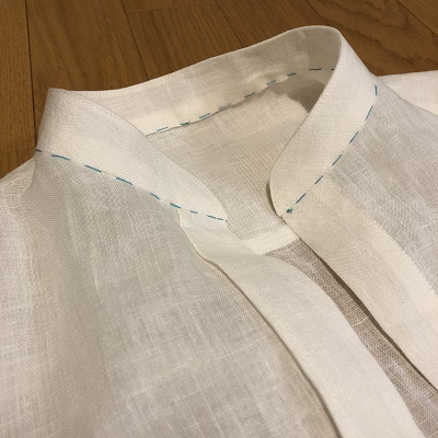 スタンドカラーのシャツワンピース