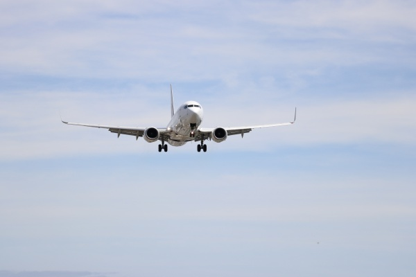 IMG_407220180520千里川飛行機来た1