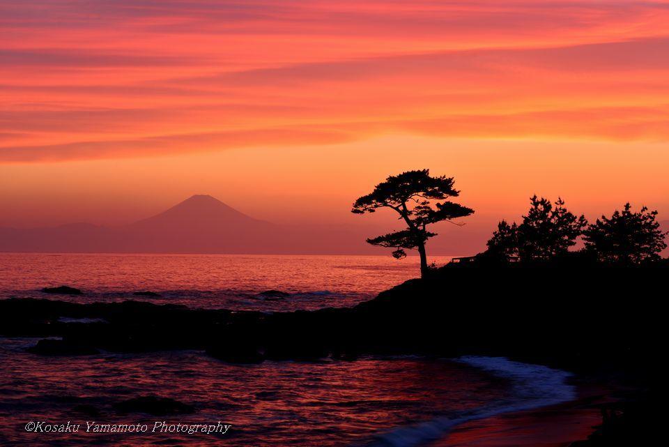 「夕焼けの立石海岸」 神奈川県秋谷海岸