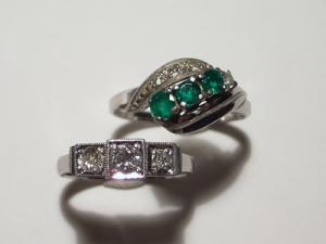 エメラルドとダイヤのリングBefore1