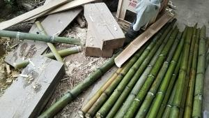 180523竹の杭や支柱を作る
