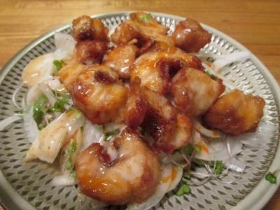 オニカサゴの唐揚と新タマのサラダ1