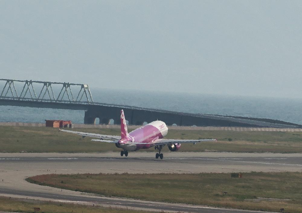 離陸 (2)