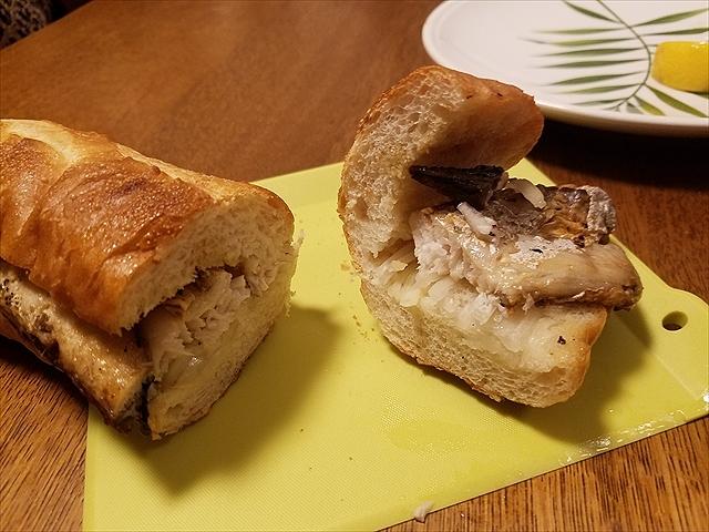 20180325_200647_R 鯖の脂、塩気、玉ねぎ、レモン。甘みあるパンも邪魔をせず