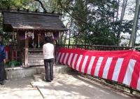神明社の社殿