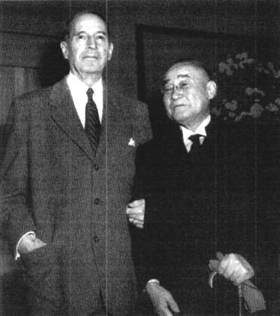 1d 400 Yoshida Visits McArthur1954