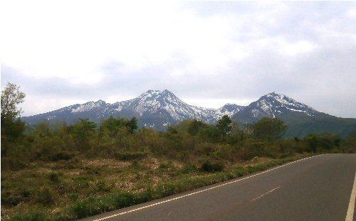 01c 500 20180506 妙高山from赤倉からの下り道