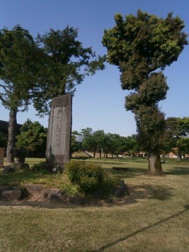 01a 500 20180515 トトロの木記念碑