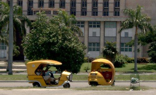 03a 500 Coco Taxi Cuba