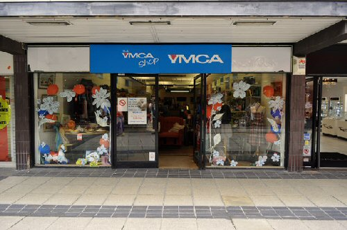 09a 500 YMCA CharityShop UK